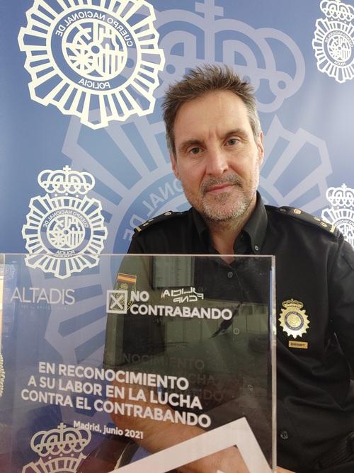 PREMIOS NO CONTRABANDO. Inspector D. José A. López (CNP Cataluña): <p> «Mientras que el fenómeno del contrabando exista, tendrá que haber una respuesta policial para combatirlo» </p>